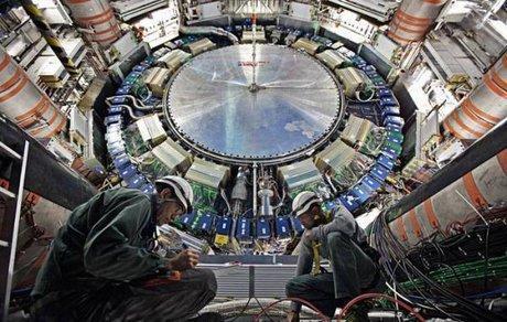 همایش آنالیز نحوه همکاری ایران با سازمان اروپایی پژوهش های هسته ای