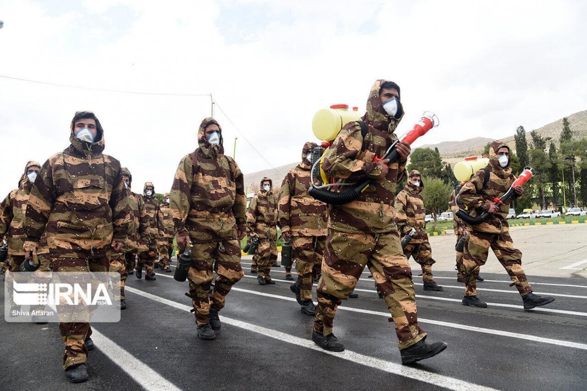 خبرنگاران رژه خدمت یگان های منتخب ارتش در تبریز برگزار گردید